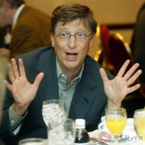 BILL GATES ARRIVES AT THE PEARLY GATE - BILL GATES TỚI CỔNG NGỌC