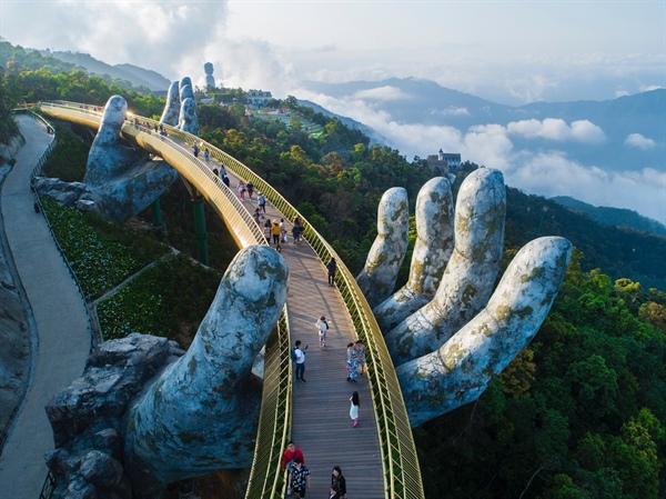 Top 10 công trình Việt Nam nổi tiếng