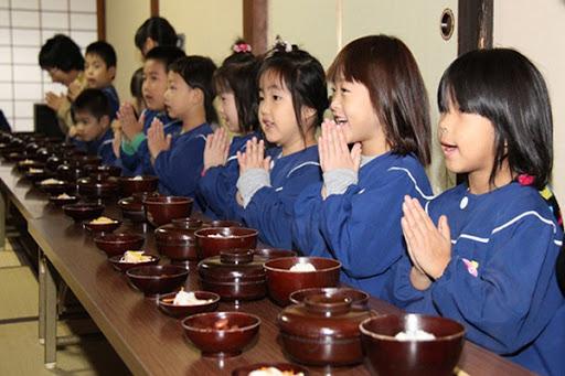 itadakimasu - một cách giáo dục nhân cách tốt đẹp hn