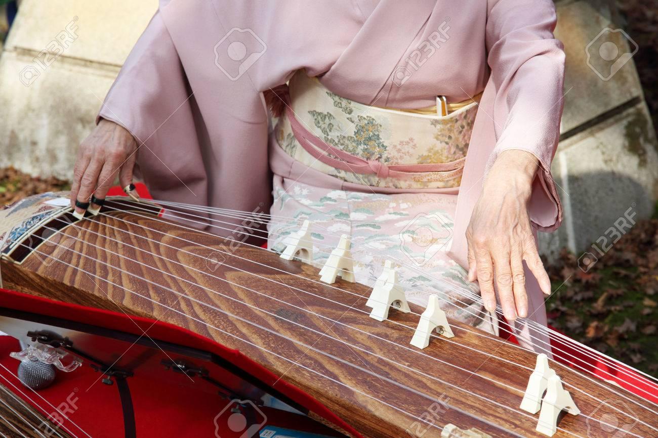 nhạc cụ truyền thống Koto NB